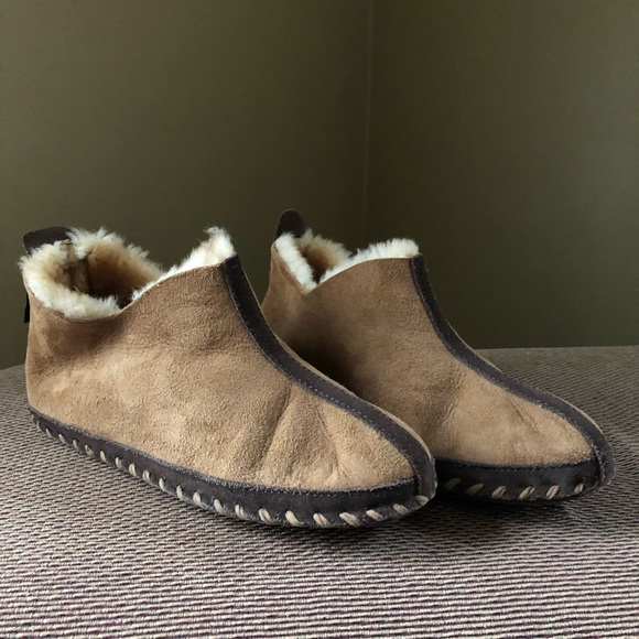 ddbc5e5a6 Cabela's Shoes | Womens Cabelas Slippers Size 9 | Poshmark